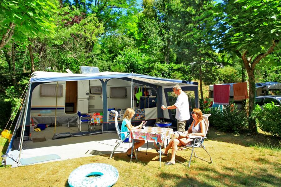 Emplacement Camping La Chataigneraie